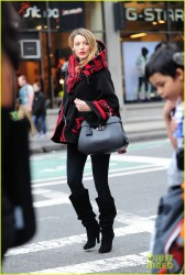 Blake Lively - Shopping in NYC 11/3/14