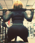 Vida Guerra - Squats - Perfect Butt
