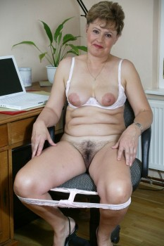Girdles Mature Masturbation 76