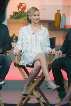 Jennifer Lawrence 'Good Morning America' in NYC 11/13/14 17