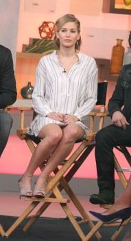 Jennifer Lawrence 'Good Morning America' in NYC 11/13/14 15