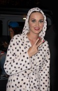 Katy Perry - Wearing (seemingly) ONLY A Bath Robe - Arriving Back At Her Hotel - Melbourne - Nov 18 2014