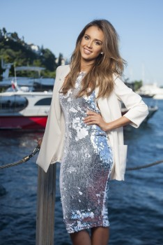 Jessica Alba: Shoot By Doruk Seymen For Hello Magazine x2