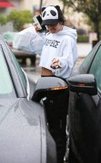 Vanessa Hudgens - Stopping by Fit Foods in Sherman Oaks 12/2/14