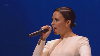 Demi Lovato and others - Fly Me To The Moon The Royal Variety Performance 1080i HDMania