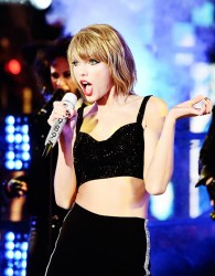 Taylor Swift - Performing on Dick Clark's New Year's Rockin' Eve 2014 12/31/14
