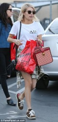 Emma Roberts - Out Shopping with Friends 1/16/15