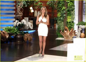 "Jennifer Aniston, the Ellen DeGeneres show , 19/01/2015 ""legs"" lq"