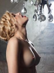 http://thumbnails111.imagebam.com/38456/5265aa384551542.jpg