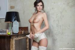 http://thumbnails111.imagebam.com/38457/b165e6384562827.jpg