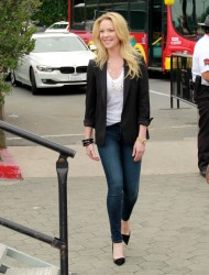 "Katherine Heigl - On the set of ""Extra"" in LA 1/28/15"