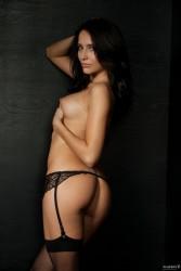 http://thumbnails111.imagebam.com/39323/047fa4393227853.jpg