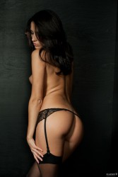 http://thumbnails111.imagebam.com/39323/638c13393227823.jpg