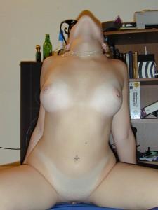 http://thumbnails111.imagebam.com/39459/c450c5394583286.jpg