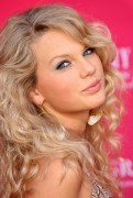 Taylor Swift - 41st Annual Academy of Country Music Awards in Las Vegas on May 23, 2006
