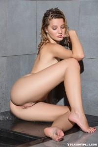 http://thumbnails111.imagebam.com/39840/1c1236398391533.jpg